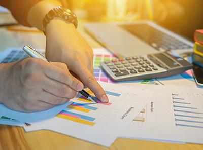 企業の財務情報から課題を見つけ出す仕組み作り